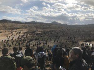 【ポケモンGO】鳥取砂丘に集まる人々の様子がさながらウォーキングデッドのようwwww