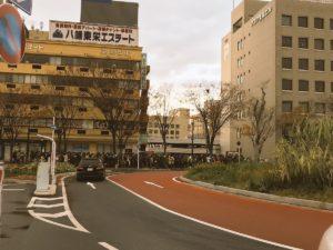 【ポケモンGO】鳥取駅のシャトルバス待ちの列はディズニーのアトラクション並wwww